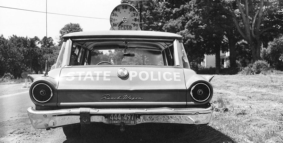 Connecticut police car and officer image
